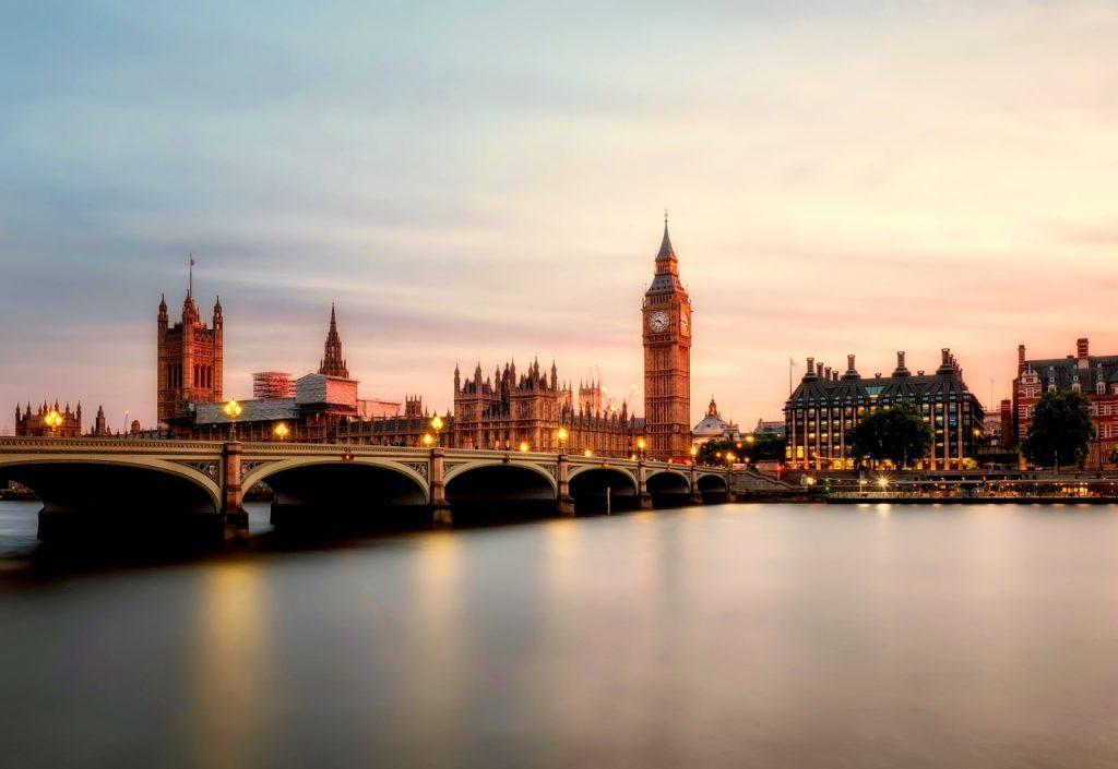 Знаменитый Биг-Бен в Лондоне