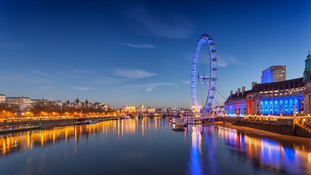 Лондонский Глаз в столице