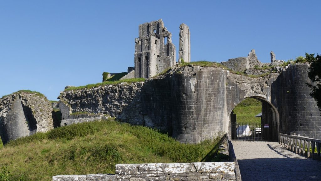 Замки Англии